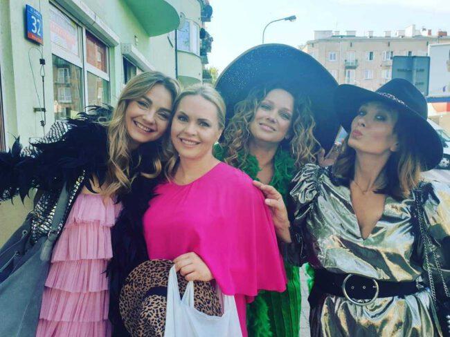 Przyjaciółki 14 sezon, Zuza (Anita Sokołowska), Patrycja (Joanna Liszowska), Inga (Małgorzata Socha), Anka (Magdalena Stużyńska)