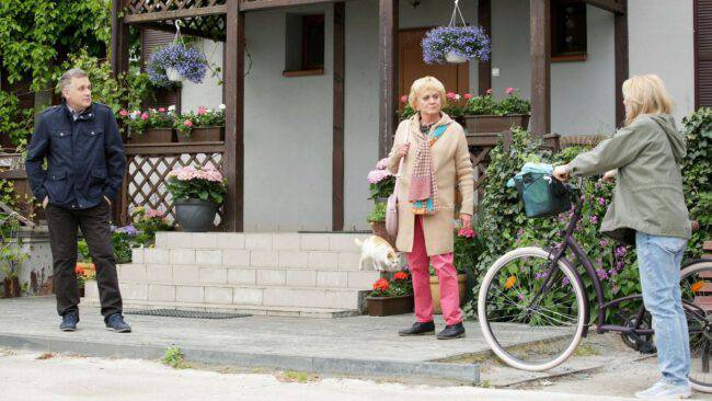 M jak miłość, Kisielowa (Małgorzata Różniatowska), Agata (Katarzyna Kwiatkowska), Artur (Robert Moskwa)
