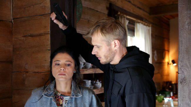M jak miłość, Artur (Tomasz Ciachorowski), Iza (Adriana Kalska)
