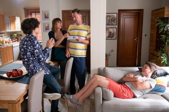 Na Wspólnej, rodzina dowie się o romansie Przemka (Eryk Cichowicz) z nauczycielką!
