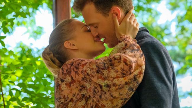 Przyjaciółki (odc. 168): Antek poprosi Strzeleckich o rękę Julki. Będzie ślub?