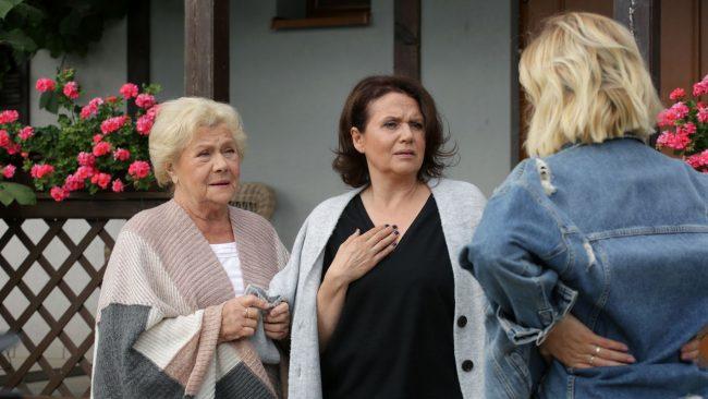 M jak miłość odcinek 1471, Barbara (Teresa Lipowska), Maria (Małgorzata Pieńkowska), Ula (Iga Krefft)