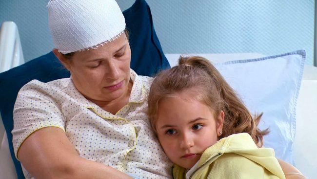 Barwy szczęścia (odc. 2133): Paulinka ofiarą szkolnego hejtu. Córka Izy Małek przeżyje piekło