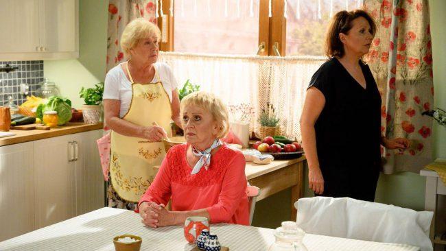 M jak miłość odcinek 1470, Kisielowa (Małgorzata Różniatowska), Barbara (Teresa Lipowska), Maria (Małgorzata Pieńkowska)