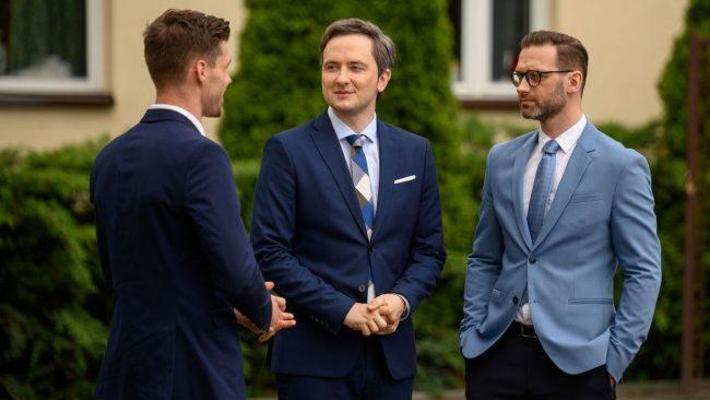 Barwy szczęścia (odc. 2146): Maks odbije Władkowi Darka? Władze TVP chcą zakończyć gejowski wątek!