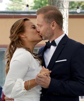 """M jak miłość"" - ślub Madzi (Anna Mucha) i Andrzeja (Krystian Wieczorek)"