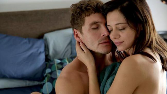 """Mikołaj Roznerski i Adriana Kalska nawet nie muszą udawać, jak bardzo się kochają! Zobaczcie ich wspólne zdjęcia z """"M jak miłość"""""""