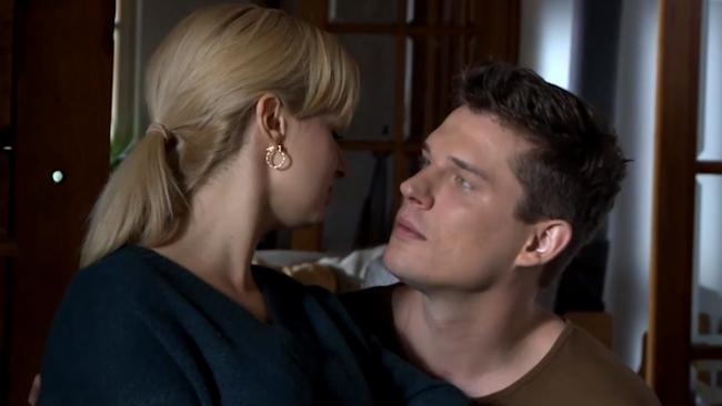 Kulisy serialu M jak miłość: Janek zawalczy o Sonię. Niespodziewanie zmieni się w romantycznego adoratora!