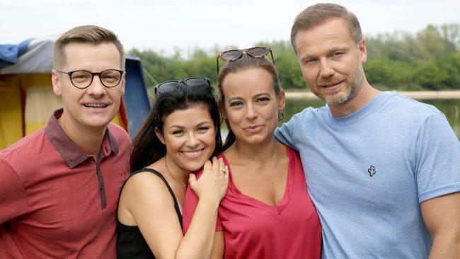M jak miłość odcinek 1481, Piotrek (Marcin Mroczek), Kinga (Katarzyna Cichopek), Magda (Anna Mucha), Andrzej (Krystian Wieczorek)