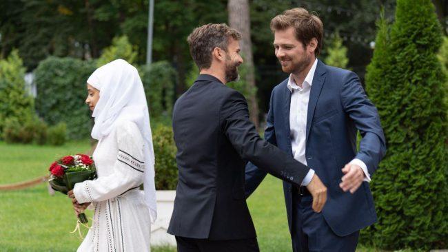 W 760 odcinku Na dobre i na złeSzczepan (Kamil Kula) poślubi imigrantkę z Syrii Linę (Izabela Perez)