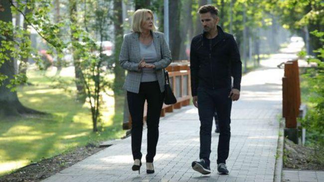 M jak miłość odc. 1488 Agata Rzeszewska ( Ciotka Artura) i Marcin Bosak ( Kamil Gryc)