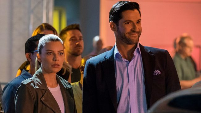 Lucyfer: Lauren German ( Chloe), Tom Ellis (Lucyfer)